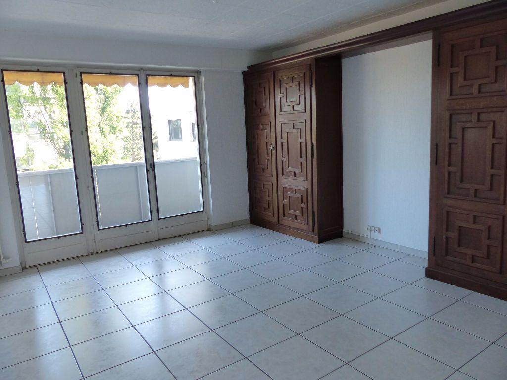 Appartement à louer 5 108m2 à Mulhouse vignette-2