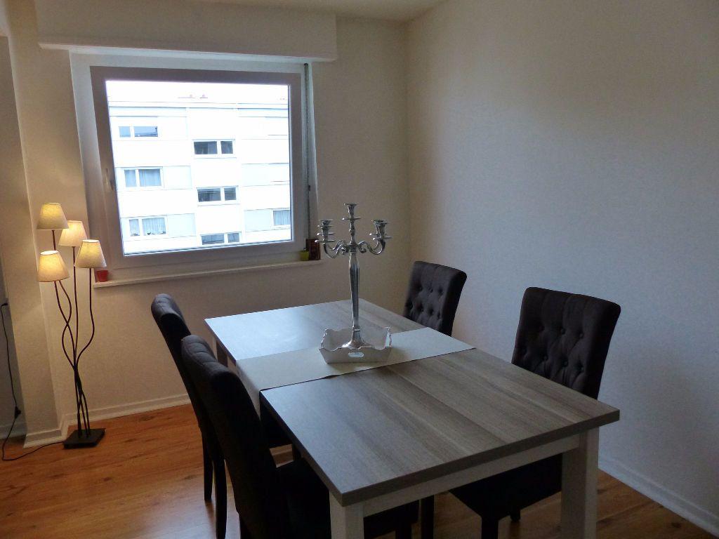 Appartement à louer 4 75.9m2 à Illzach vignette-4