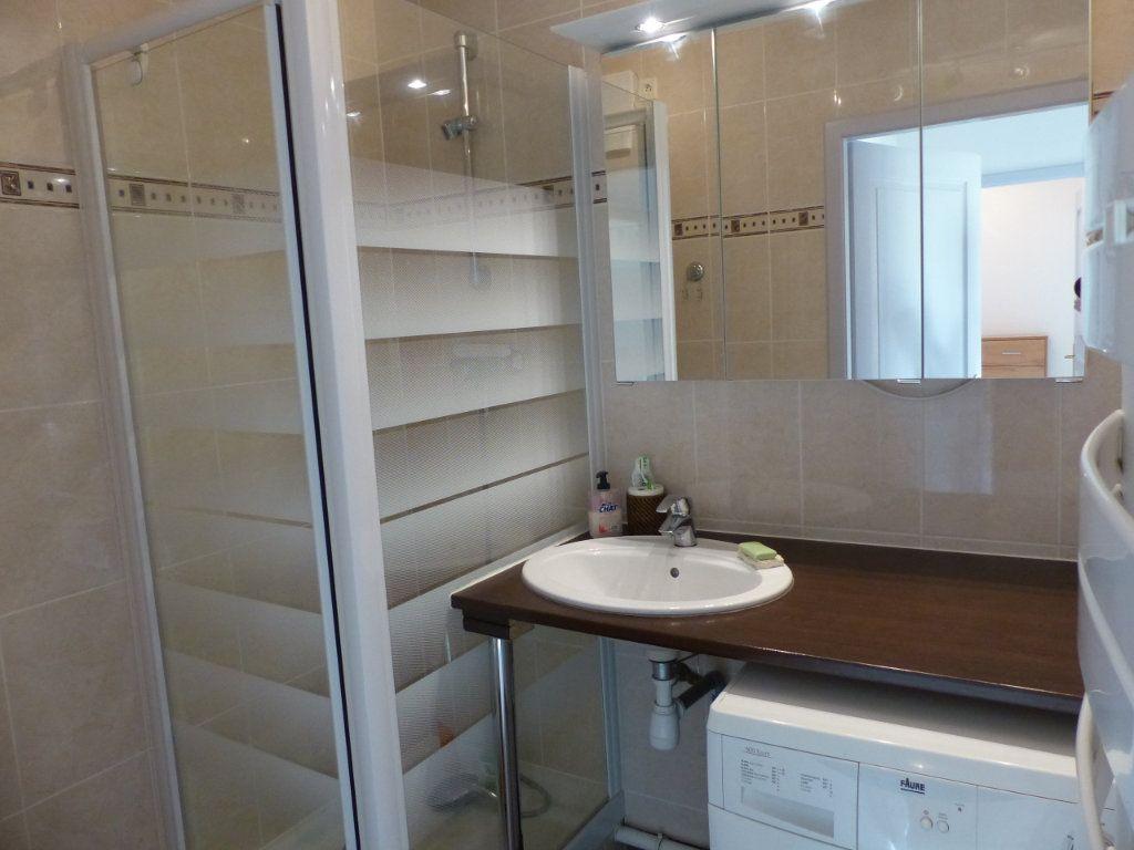 Appartement à louer 3 50.82m2 à Wittenheim vignette-3