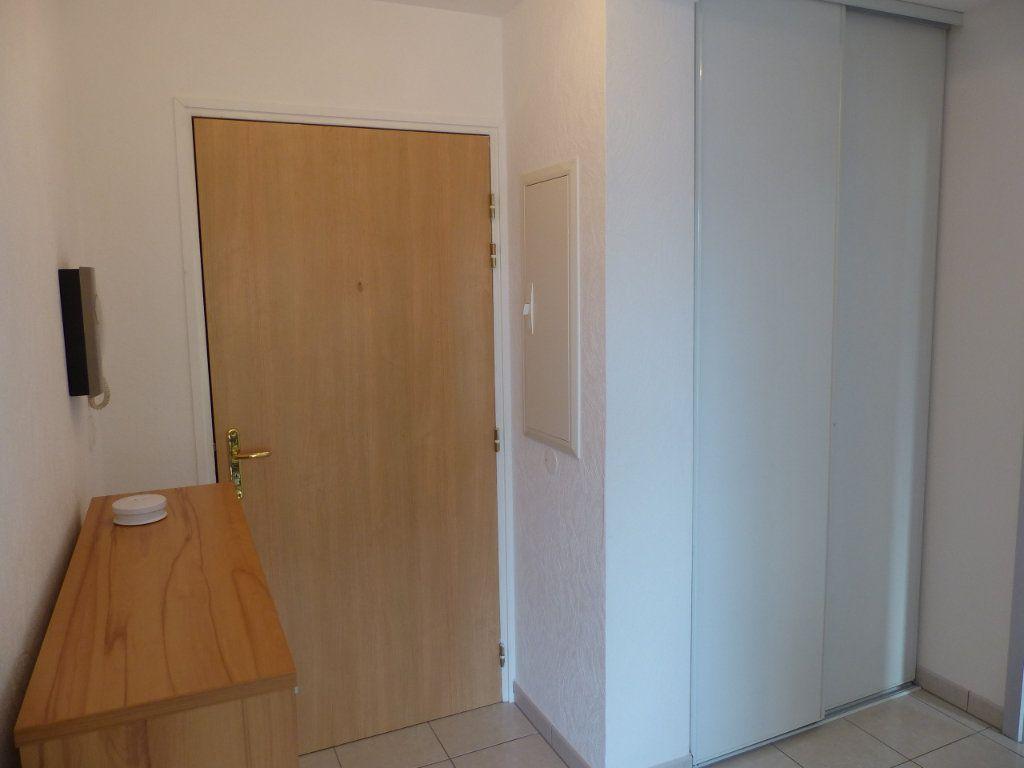 Appartement à louer 3 50.82m2 à Wittenheim vignette-7