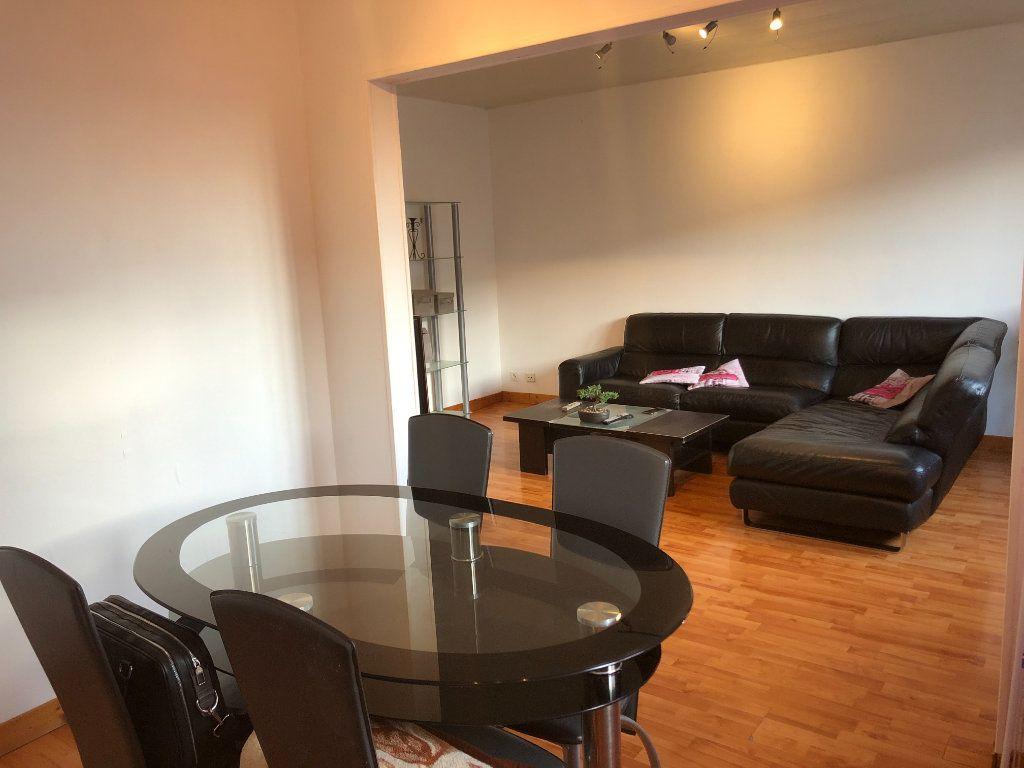 Appartement à vendre 4 72.02m2 à Mulhouse vignette-2