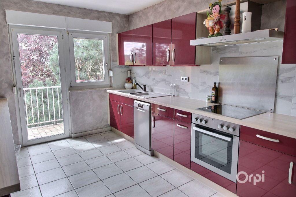 Appartement à vendre 4 81.6m2 à Rixheim vignette-2