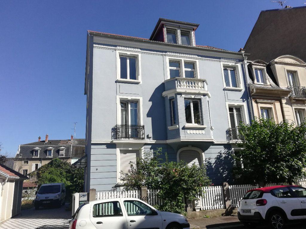 Appartement à louer 3 54.43m2 à Mulhouse vignette-1