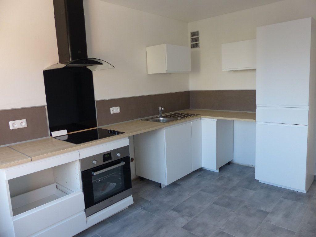 Appartement à louer 4 80.13m2 à Kingersheim vignette-2