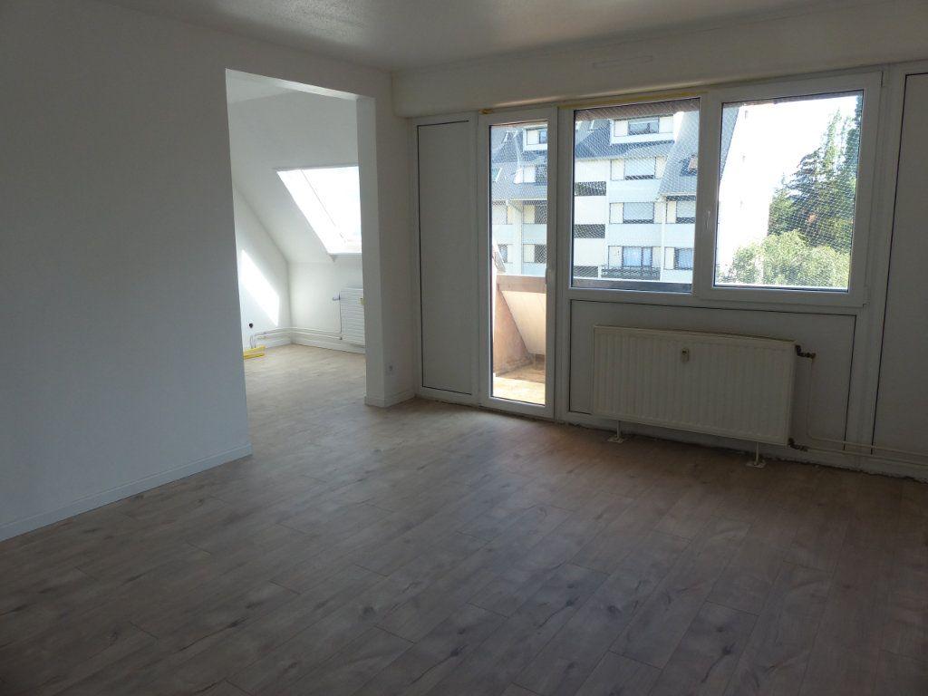 Appartement à louer 4 80.13m2 à Kingersheim vignette-4