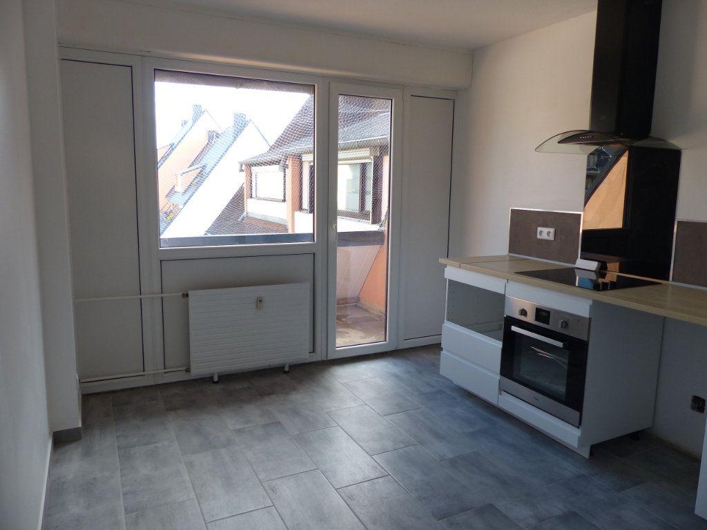 Appartement à louer 4 80.13m2 à Kingersheim vignette-6