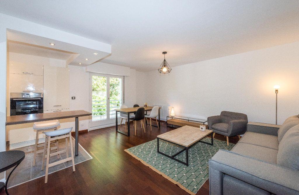 Appartement à louer 3 64.01m2 à Mulhouse vignette-1