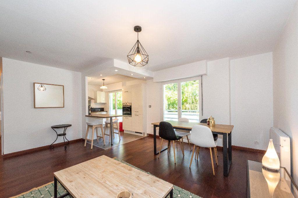 Appartement à louer 3 64.01m2 à Mulhouse vignette-6