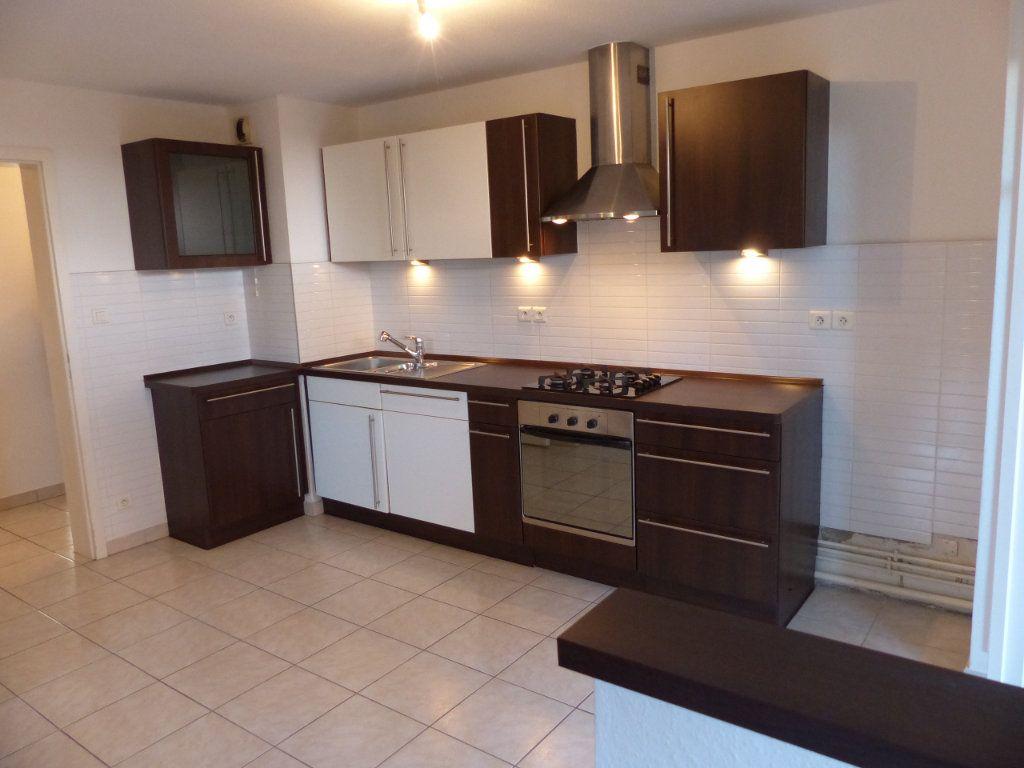 Appartement à louer 3 71.35m2 à Blodelsheim vignette-3