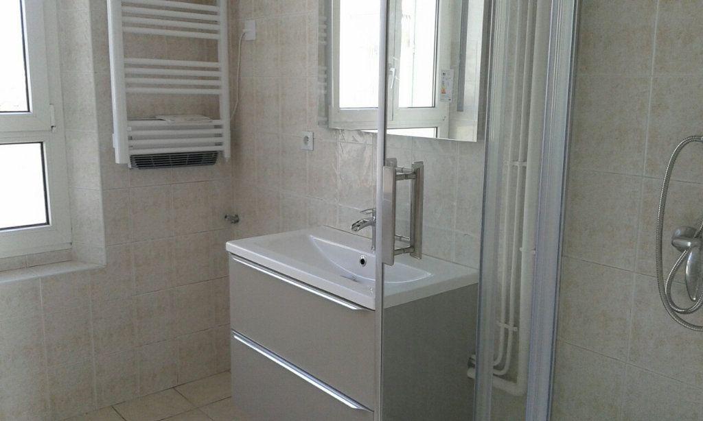 Appartement à vendre 2 45m2 à La Seyne-sur-Mer vignette-4