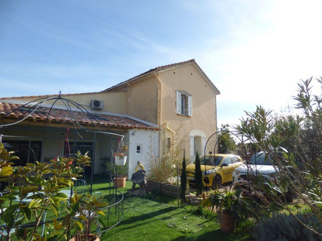 Maison à vendre 7 190m2 à Hyères vignette-2