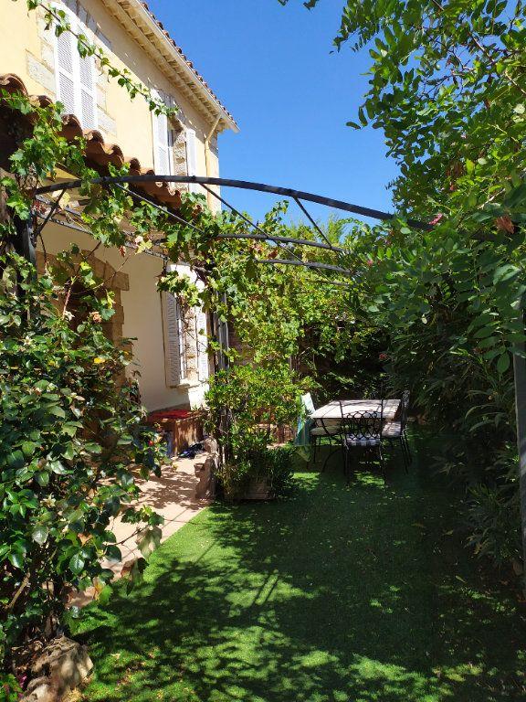 Maison à vendre 7 190m2 à Hyères vignette-4