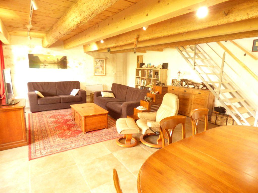 Maison à vendre 7 190m2 à Hyères vignette-5
