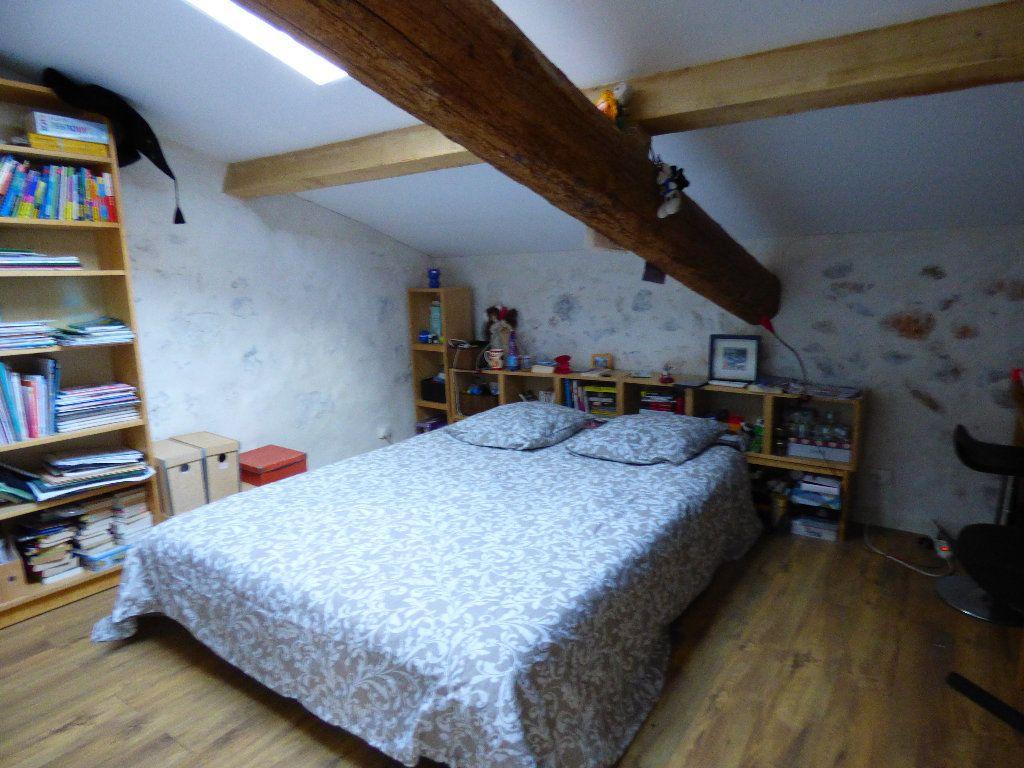 Maison à vendre 7 190m2 à Hyères vignette-7