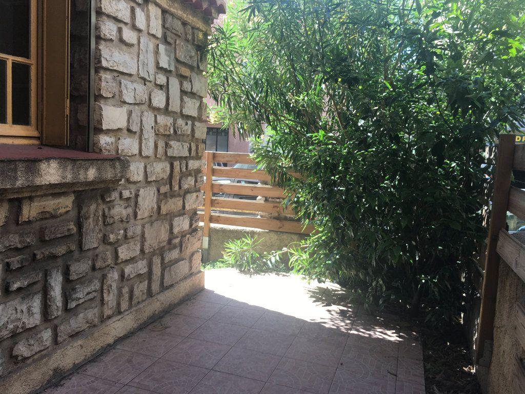 Appartement à louer 2 41.09m2 à Toulon vignette-1