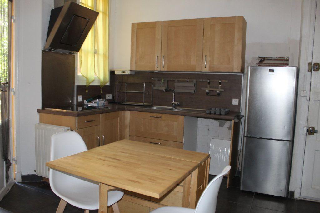 Appartement à louer 2 41.09m2 à Toulon vignette-2