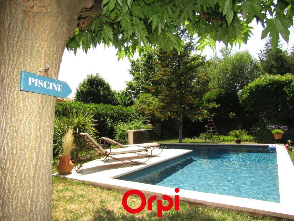 Maison à vendre 11 410m2 à Besse-sur-Issole vignette-1