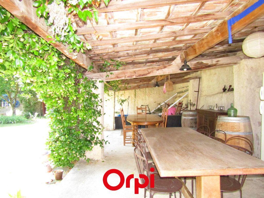 Maison à vendre 11 410m2 à Besse-sur-Issole vignette-7