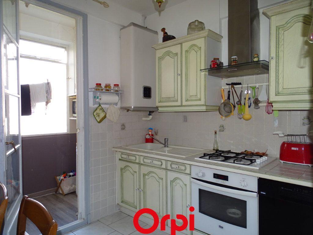 Appartement à vendre 4 74m2 à Toulon vignette-2
