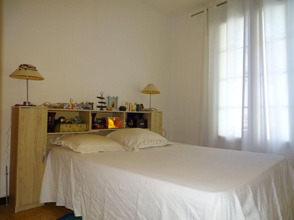 Appartement à vendre 4 74m2 à Toulon vignette-3