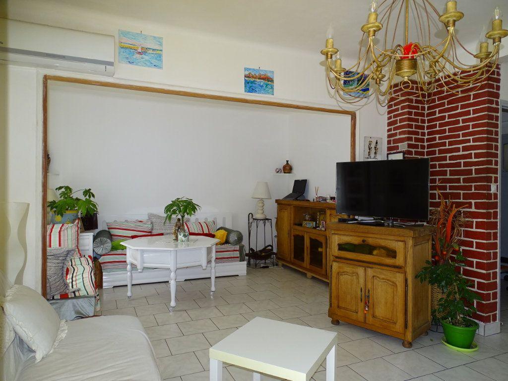 Appartement à vendre 4 74m2 à Toulon vignette-4