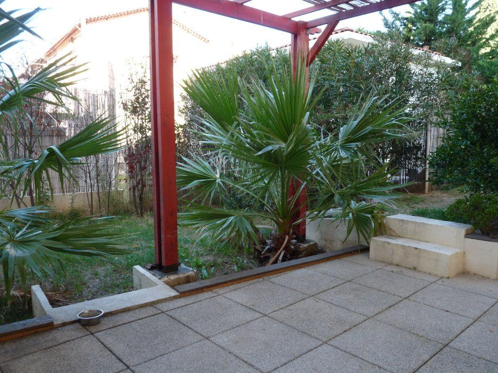 Appartement à vendre 3 73m2 à Toulon vignette-2