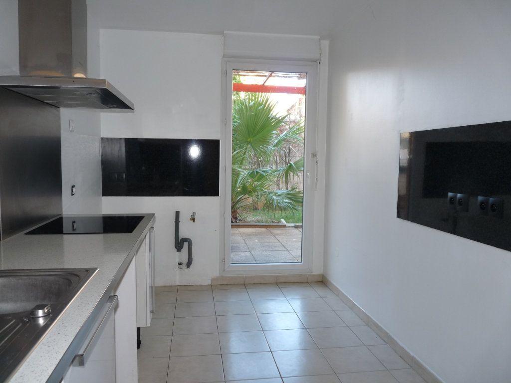 Appartement à vendre 3 73m2 à Toulon vignette-3