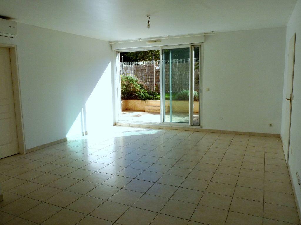 Appartement à vendre 3 73m2 à Toulon vignette-4