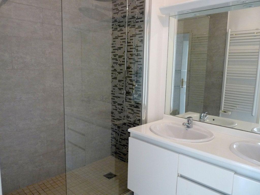 Appartement à vendre 3 73m2 à Toulon vignette-5