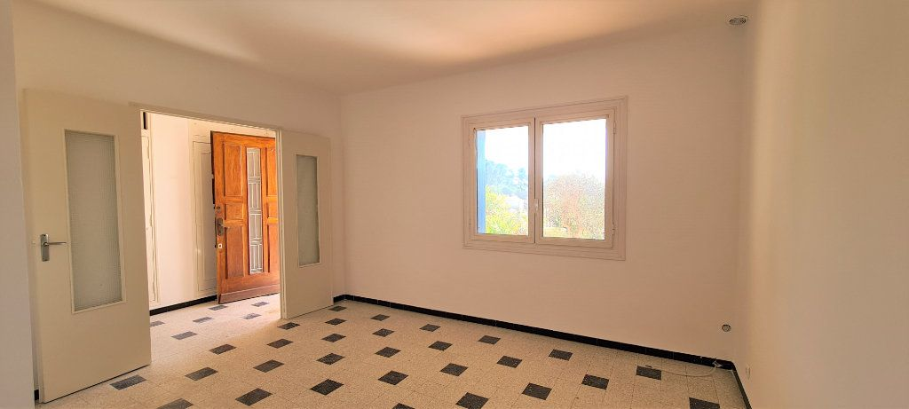 Appartement à vendre 3 77m2 à Ollioules vignette-4