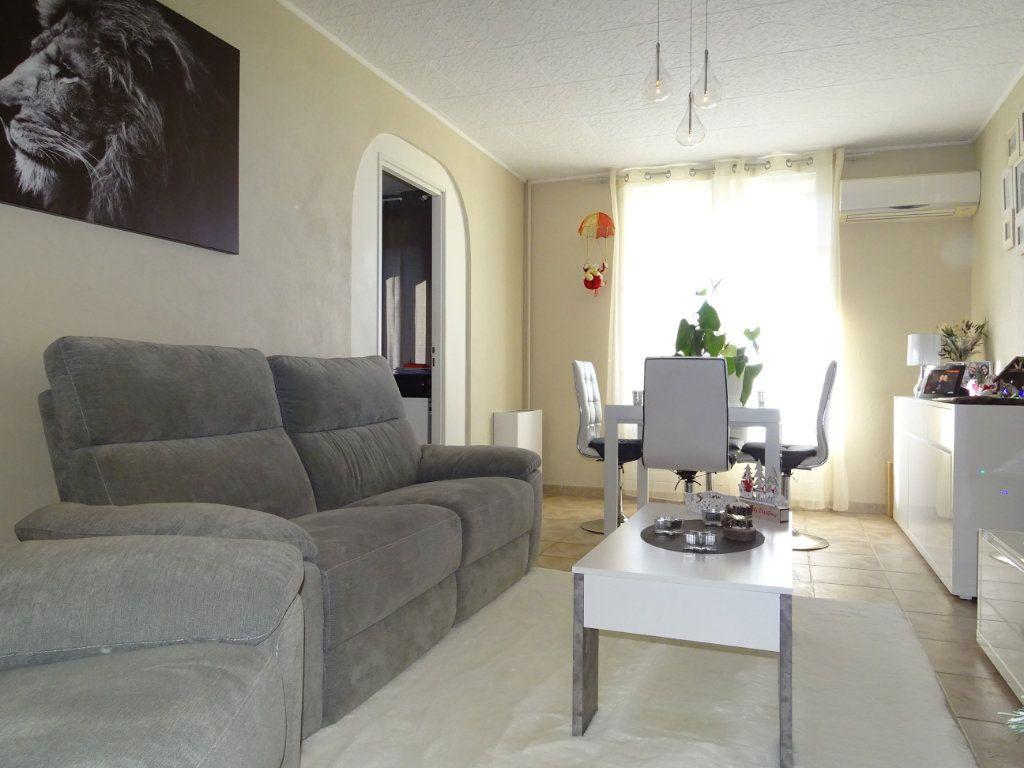 Appartement à vendre 4 74m2 à La Valette-du-Var vignette-1