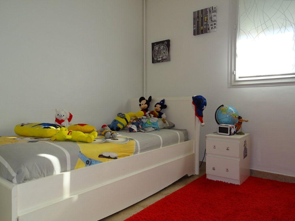Appartement à vendre 4 74m2 à La Valette-du-Var vignette-5