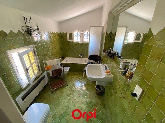 Maison à vendre 4 170m2 à Carqueiranne vignette-6