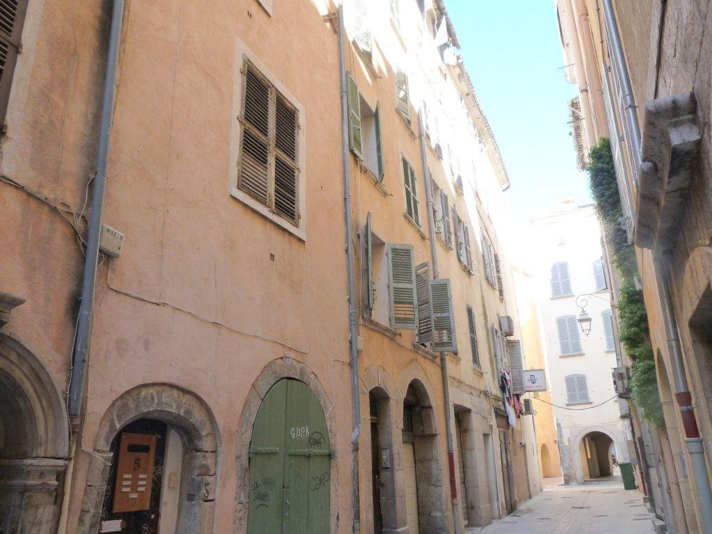 Appartement à vendre 1 17.8m2 à Toulon vignette-1