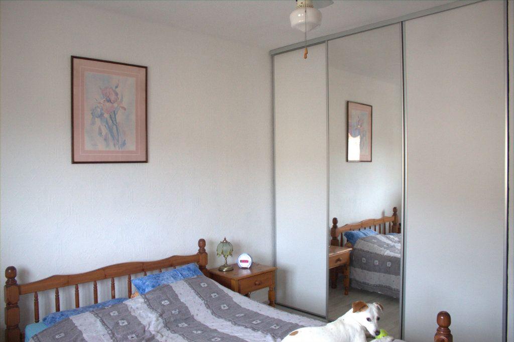 Appartement à louer 4 80m2 à Hyères vignette-2