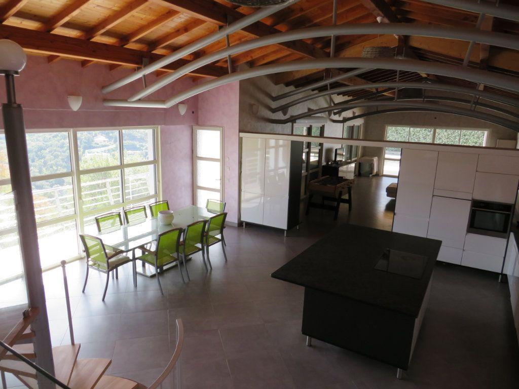 Maison à vendre 10 300m2 à La Londe-les-Maures vignette-2
