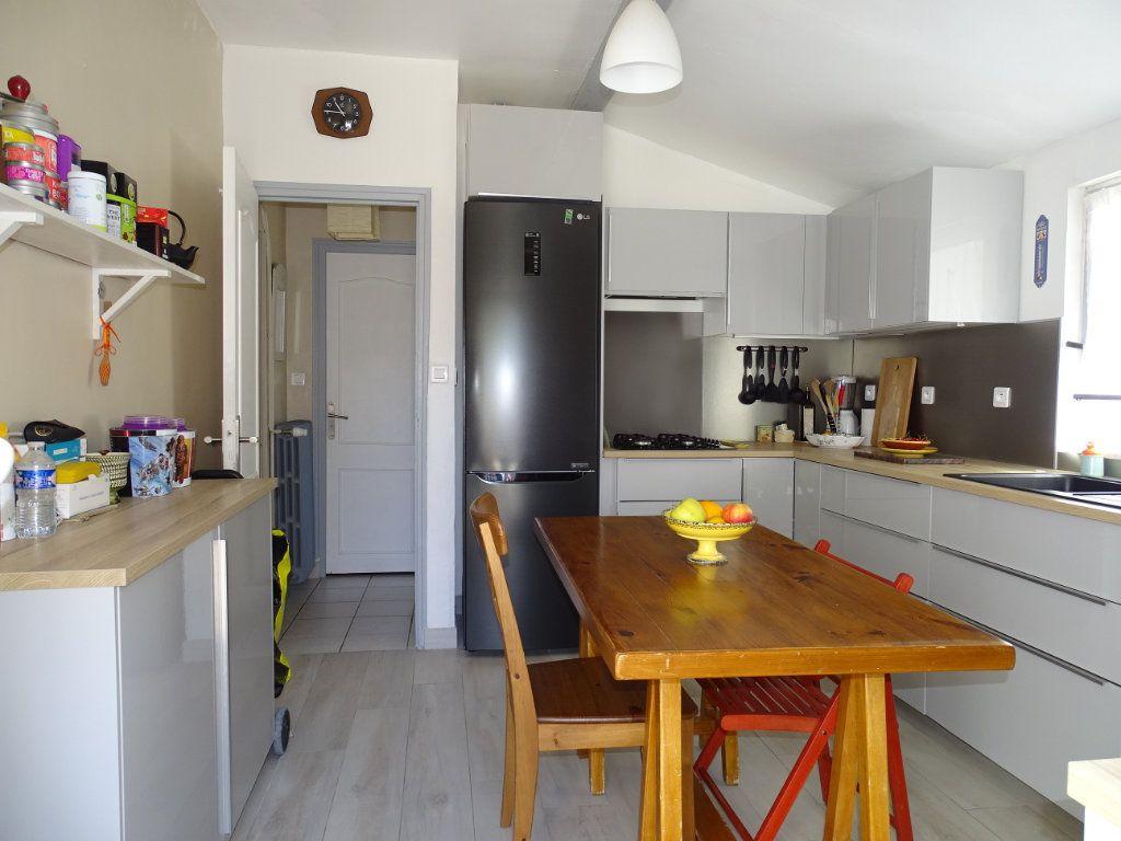 Appartement à vendre 3 79m2 à La Seyne-sur-Mer vignette-1