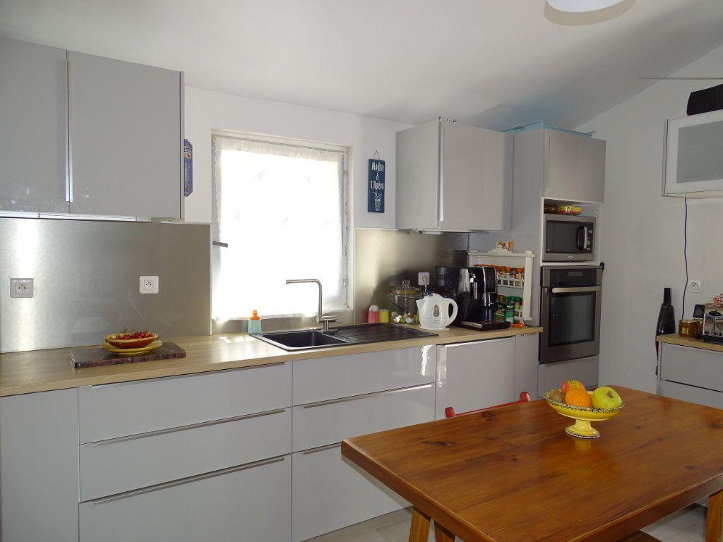 Appartement à vendre 3 79m2 à La Seyne-sur-Mer vignette-4