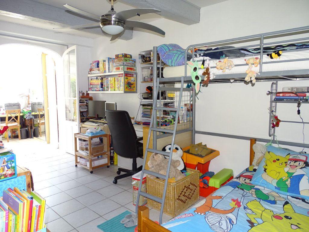 Appartement à vendre 3 79m2 à La Seyne-sur-Mer vignette-6