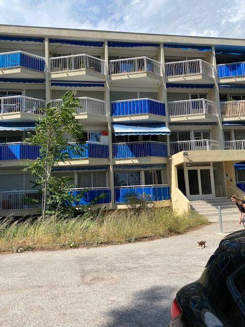 Appartement à louer 2 49m2 à Toulon vignette-1