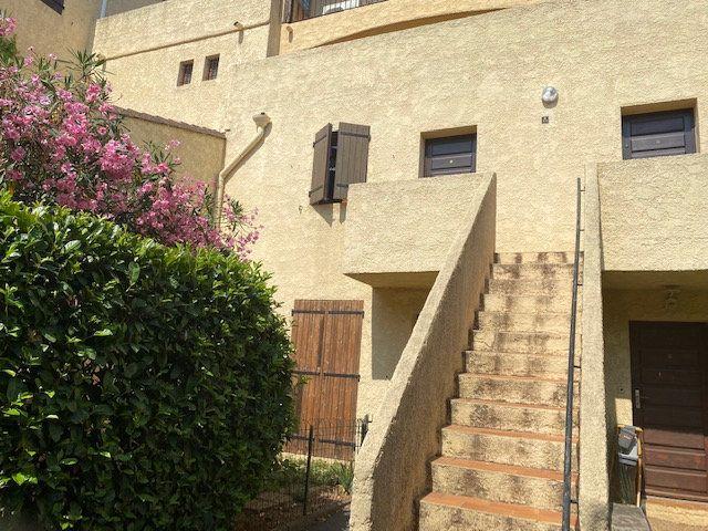 Appartement à louer 2 42.65m2 à Hyères vignette-1