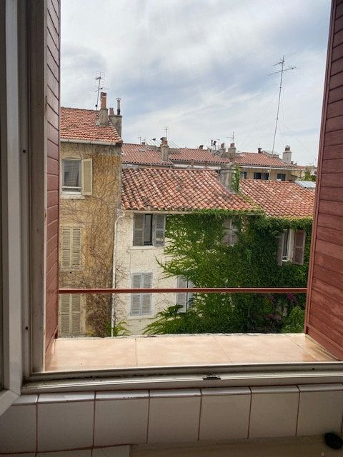 Appartement à louer 3 56m2 à Toulon vignette-2