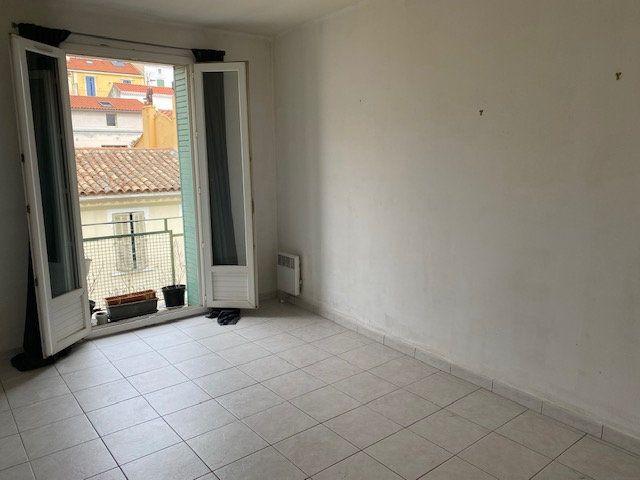 Appartement à louer 3 56m2 à Toulon vignette-4
