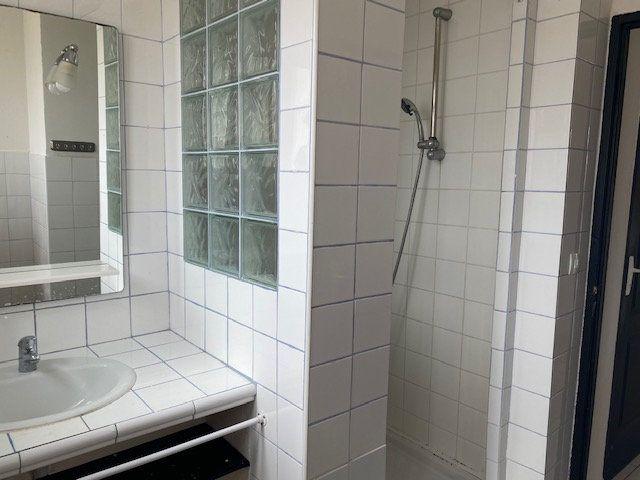 Appartement à louer 3 56m2 à Toulon vignette-5