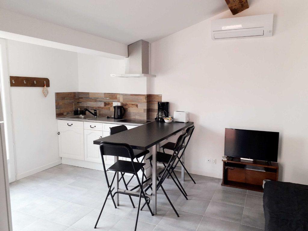 Appartement à louer 2 38m2 à Toulon vignette-4