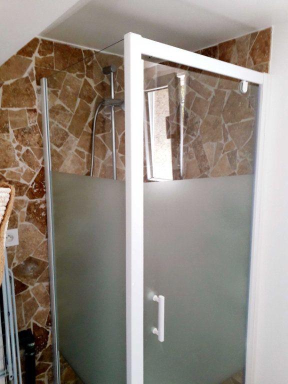 Appartement à louer 2 38m2 à Toulon vignette-9