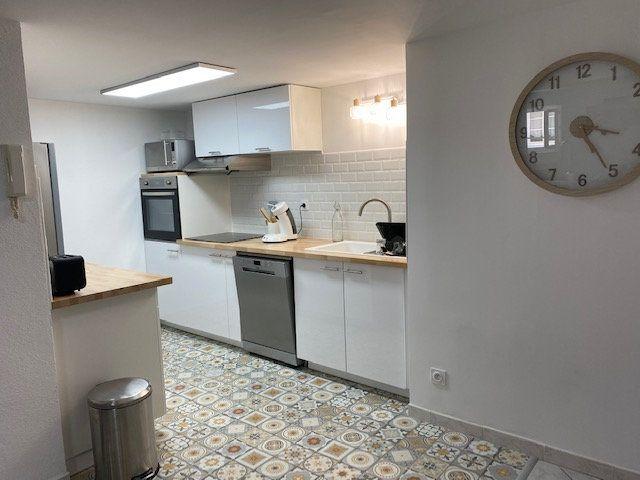Appartement à louer 2 60m2 à Toulon vignette-3