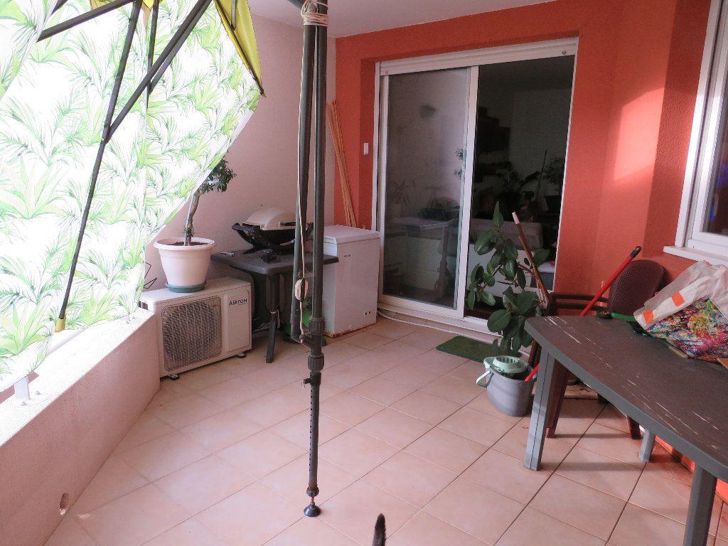 Appartement à vendre 2 47.4m2 à La Seyne-sur-Mer vignette-3