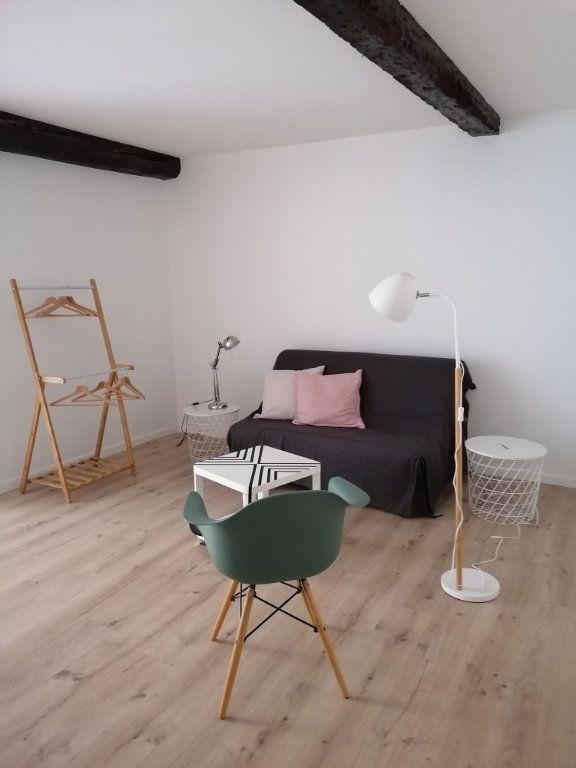Appartement à louer 1 30m2 à Toulon vignette-1