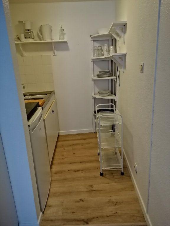 Appartement à louer 1 30m2 à Toulon vignette-3
